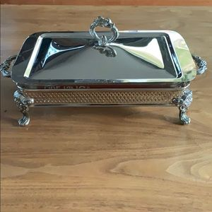Stunning silverplated casserole dish with holder